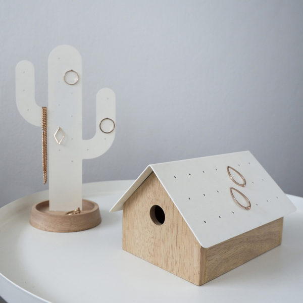 Secret Garret roof jewelry box house wood magnetic lock metal black white Gift Home décor บ้าน หลังคา เครื่องประดับ ของขวัญ เหล็ก ไม้ ขาว ดำ น้ำท่วมoof jewelry box house wood magnetic lock